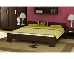 Vyberte si manželskou postel z masivu, která vám vydrží roky