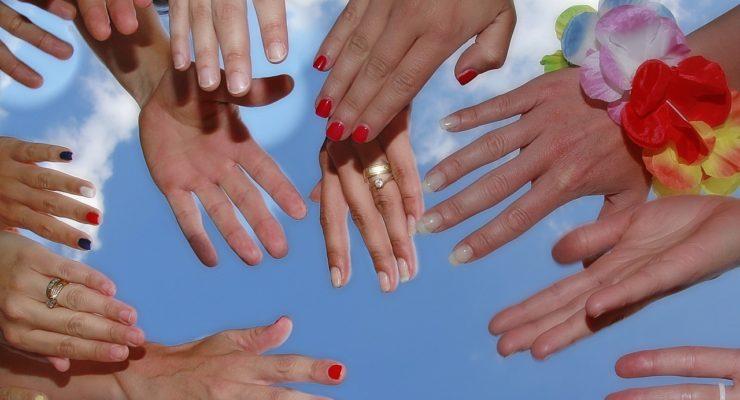 Akrylové nehty nebo gelové, které zvolit?