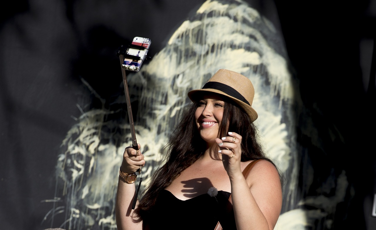 selfie-stick-827879_1280