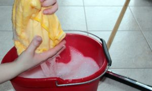Plastové nádoby v domácnosti uvítá každá hospodyňka