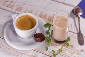 Nejlepší tipy, jak doma připravit kávu jako z kavárny