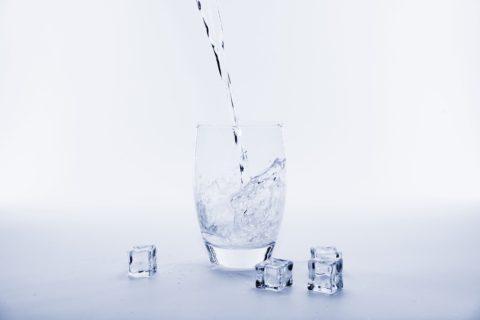 Vodovodní filtry zbaví kohoutkovou vodu zdraví škodlivých látek